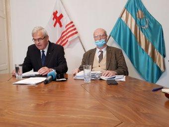 Precedenst teremtő győzelem zászlóügyben: elégedett Tőkés László és Kincses Előd a strasbourgi ítélettel