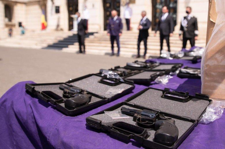Közel háromezer pisztolyt foglalt le a román határrendészet az isacceai határátkelőnél