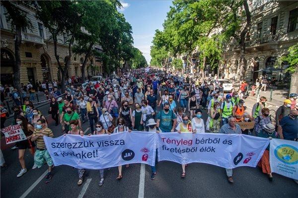 Karácsony Gergely a Fudan-ellenes tüntetésen: ezzel az üggyel kezdjük Magyarország visszafoglalását a hatalomtól