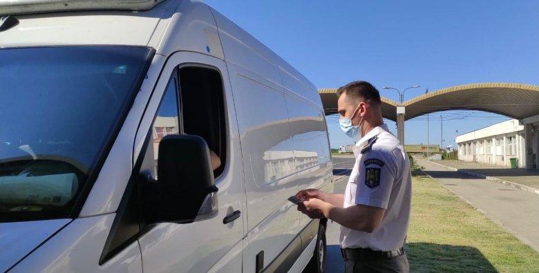 Oda-vissza: immár a beoltott román állampolgárok is korlátozások nélkül beutazhatnak Magyarországra