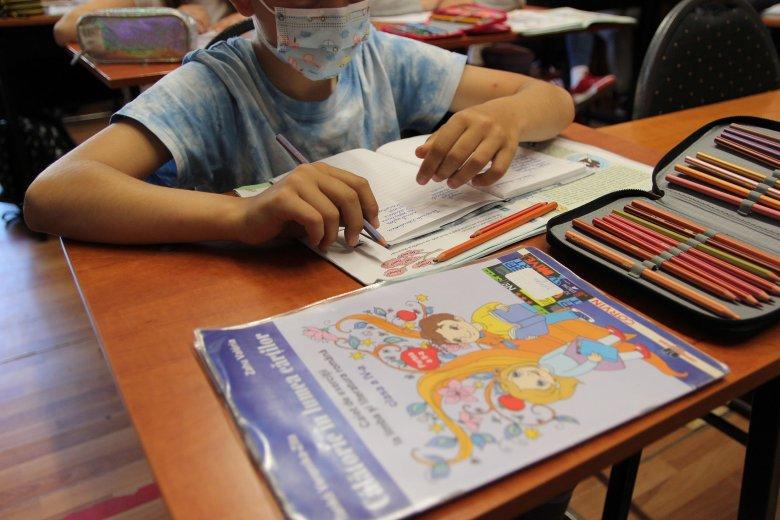Gheorghiţă: a jelek szerint a delta variáns súlyos megbetegedéseket okozhat a gyerekek körében
