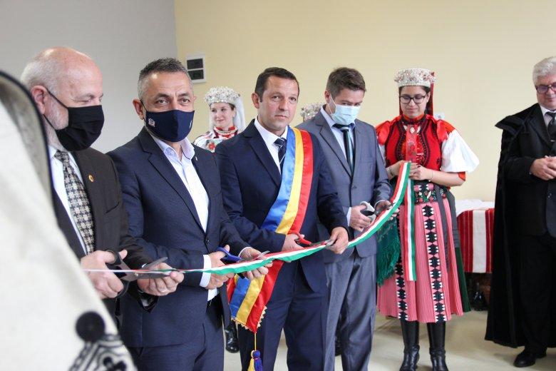 Magyar állami támogatásból felújított óvodákat avattak Kalotaszegen