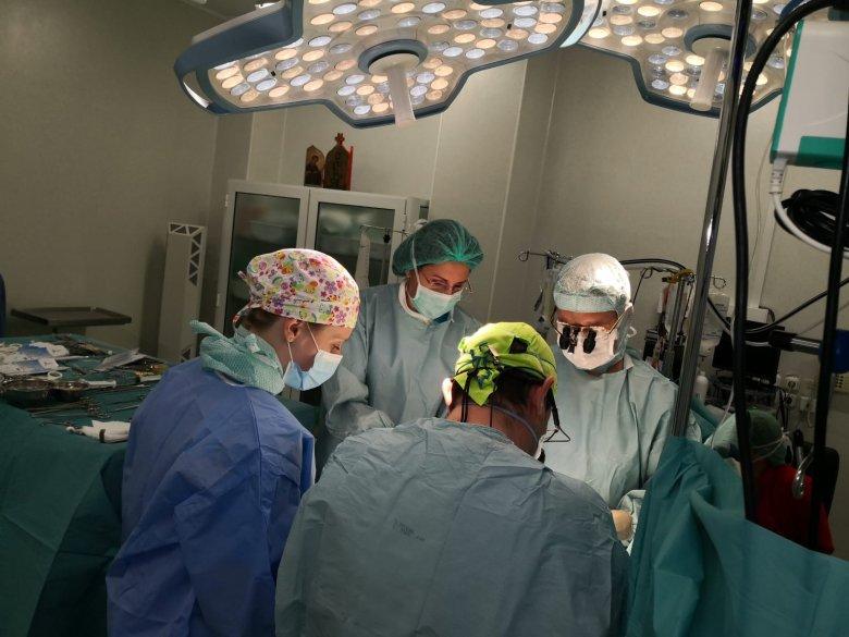 Három nap alatt három gyermek kapott új életet a vásárhelyi és müncheni orvosok szívgyógyászati együttműködésének köszönhetően
