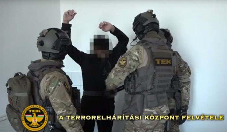 Robbantásokat akart végrehajtani Magyarországon egy magát iszlamistának valló magyar férfi (VIDEÓ)