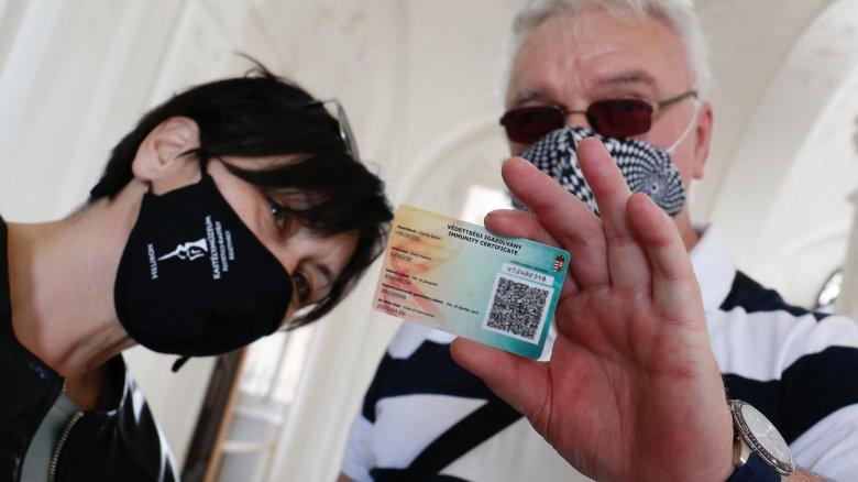 A taj-szám nélküli külföldiek és külhoni magyarok is regisztrálhatnak oltásra Magyarországon