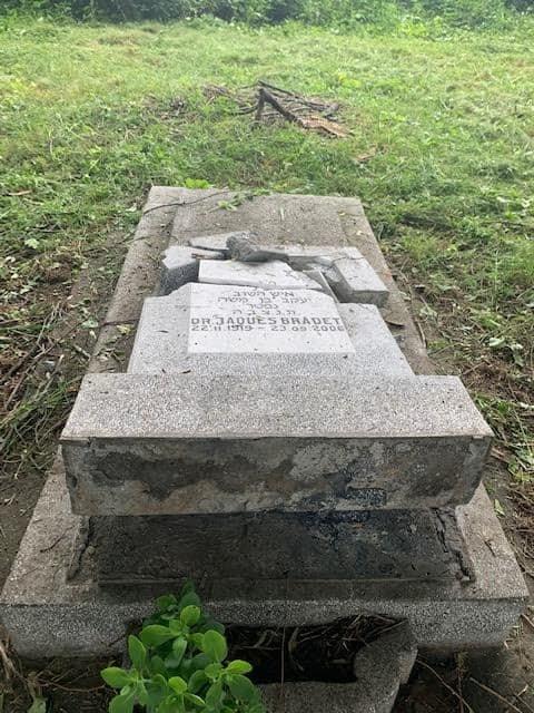 Sírokat rongáltak meg Ploiești zsidó temetőjében