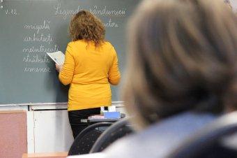Utolsó percben kész lett a kilencedikes tanterv – Kallós Zoltán: a jó pedagógus tankönyv nélkül is hatékony
