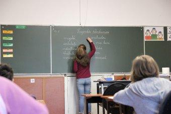 """Nem lesz """"otthonmarasztaló"""" a negyedik hullám: derülátó a tanügyminiszter a jelenléti oktatás folytatását illetően"""