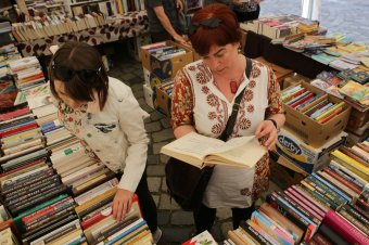 Pazar könyves kínálat a kincses városban: regisztrációval lehet részt venni a jubileumi Kolozsvári Ünnepi Könyvhéten