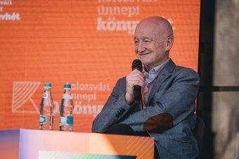Komoly témákról sok humorral: jó hangulatú beszélgetés Nádasdy Ádámmal a Kolozsvári Ünnepi Könyvhéten