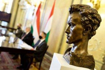 A magyar kormány 9 milliárd forintot biztosít a 2022–2023-as Petőfi-emlékév támogatására