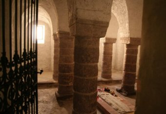 Az emberi maradványok vizsgálatával folytatódik a tihanyi Királykripta feltárása (VIDEÓ)