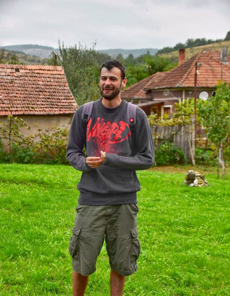 A környékbeli magyarság körében is népszerű a kulturális életet fellendítő Algyógyi Ifjúsági Központ