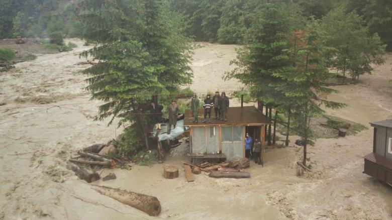 A kormányfő az áradás sújtotta térségek felkeresésére szólította a prefektusokat