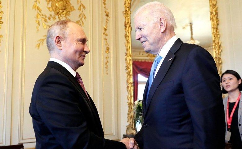 Putyin szerint nem ellenséges hangulatban zajlott a találkozója Bidennel, visszatérnek a nagykövetek