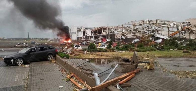 Településeket tett a földdel egyenlővé a Csehországon végigsöprő tornádó, többen meghaltak, sok a sérült
