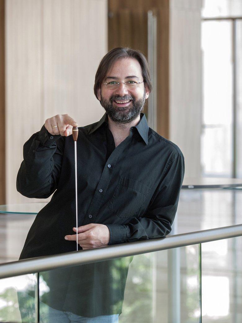 Művésznek lenni ajándék: Alpaslan Ertüngealp Magyarországon élő isztambuli karmester a zene szeretetéről