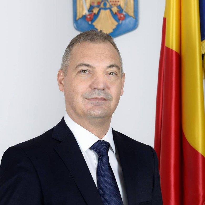 Kecskére a káposztát: jogerősen öt év letöltendő börtönbüntetésre ítélték a PSD volt kincstárnokát