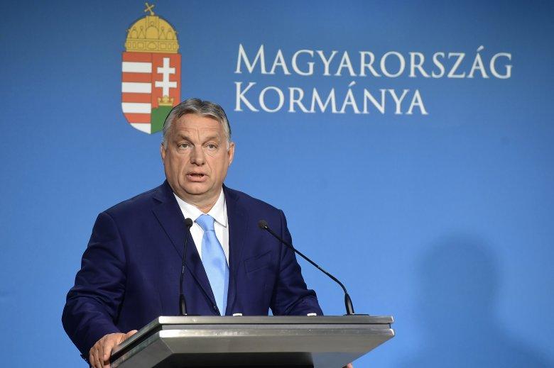 """Orbán Viktor: nincs helye sportpályákon a """"térdelősdinek"""", ez a magyaroknál kultúraidegen"""