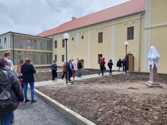 Világszínvonalú turisztikai képzés indul a kézdivásárhelyi minorita rendház frissen restaurált épületében