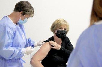 Koronavírus-járványban életet ment az oltás – Dr. Székely Edit vásárhelyi mikrobiológus főorvos  a vakcinákról