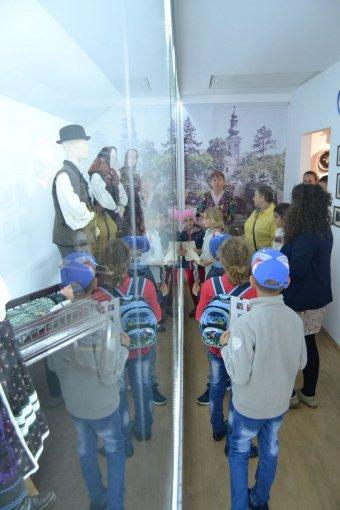 Fiatalokkal ismertetik meg Kallós Zoltán válaszúti néprajzi gyűjteményét