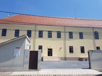Zarándokházat avattak Nagyváradon – a magyar kormány támogatásával újult meg az egykori katolikus papnevelde