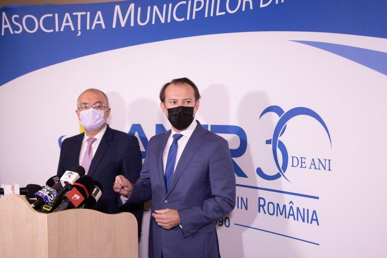 Emil Boc megkönnyítené a megyeszékhelyek és a környező falvak egyesülését