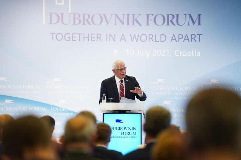 Uniós biztonságpolitikai vezető: a járványhullámok után már látszik a fény az alagút végén