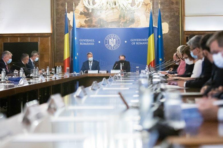 Csökkentenék az iskolaelhagyást, növelnék a felsőfokú végzettek számát – felvállalta a kormány a Művelt Románia reformtervet