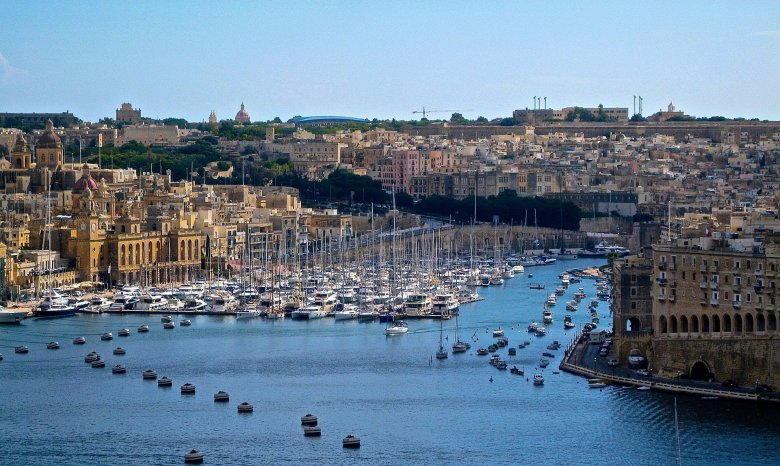 Csak koronavírus ellen beoltottakat fogad Málta a jövő héttől