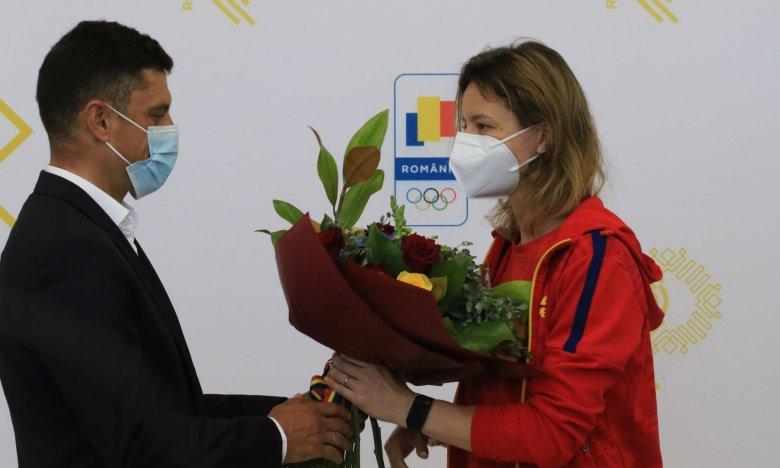 Elnézést kért Novák Eduárd sportminisztertől a román vívónő, amiért elutasította kézfogását