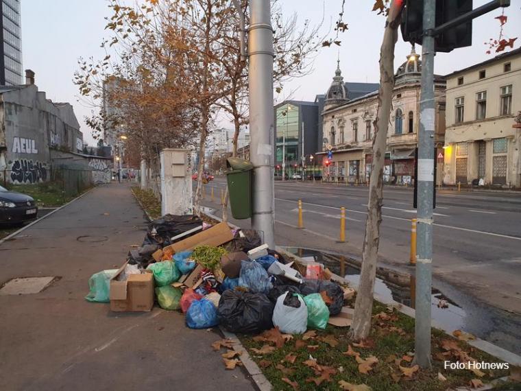 Vészhelyzetet hirdettek Bukarestben a felgyűlt szemét miatt