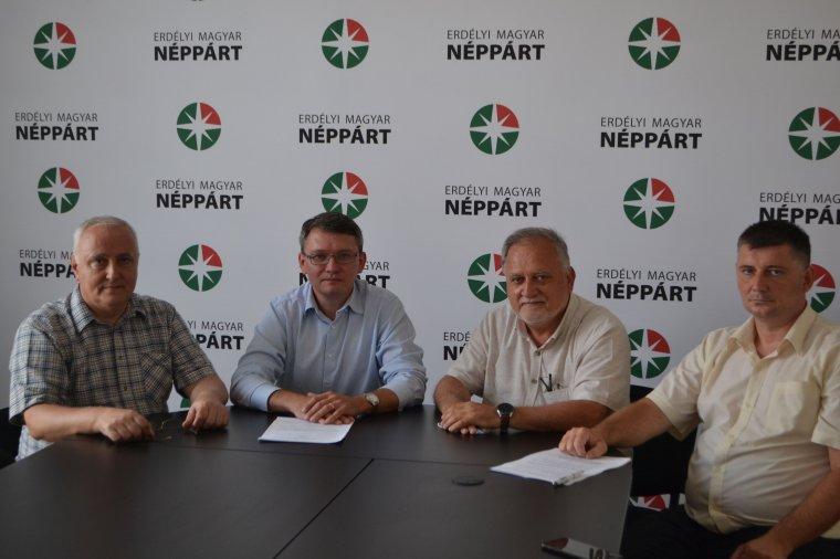 A magyarországihoz hasonló gyermekjogvédő szabályozást kezdeményez parlamenti képviselőjén keresztül az EMNP