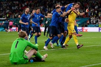 Izgalmas fordulatokat hozó büntetőpárbajjal nyerte Olaszország az Európa-bajnokságot