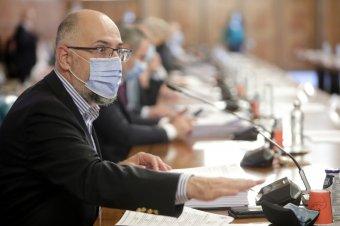 Kelemen Hunor szerint szigorúbb intézkedésekre van szükség az átoltottság növeléséhez
