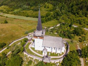 Eredeti pompájában ragyog Kalotaszeg egyik legszebb temploma