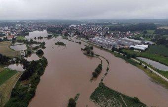 Összeomlott több ház, sokan eltűntek az árvíz miatt Németországban