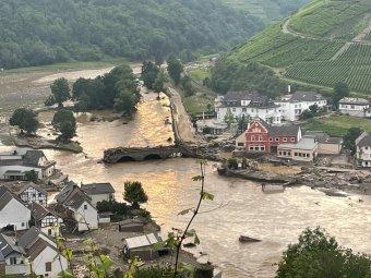 Román tolvajok garázdálkodnak Németország árvíz sújtotta területein