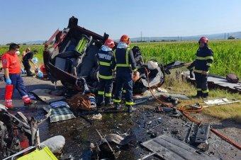Figyelmetlenség okozta a hétvégi közúti tragédiákat, óvatosságra int a miniszter