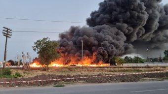 Eloltották a nagyszalontai tüzet, Magyarországon nem észleltek mérgező anyagot a levegőben