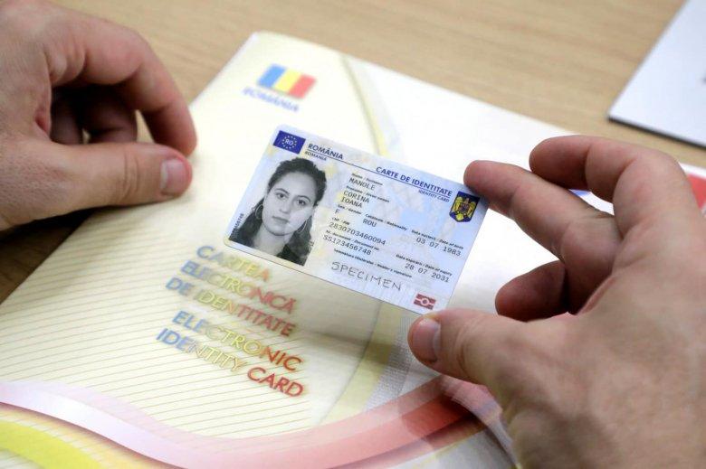 Az első elektronikus személyi igazolványok már szeptemberben átvehetők