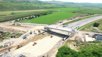 Már az aszfaltot öntik a Szászsebes–Torda-autópálya még hiányzó szakaszán