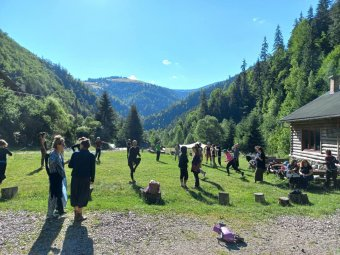 Butoh tánctábor: Európa legkülönbözőbb pontjairól érkezők mozogtak-éltek együtt a reketói ég alatt