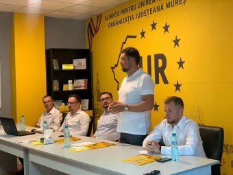 AUR: Magyarország uralma alá vonja Románia egy részét erdélyi beruházásai révén