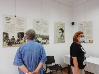 """""""Meg kell tanulnunk Mészölyül"""": a száz éve született Mészöly Miklós íróra emlékeztek a Kolozsvári Magyar Napokon"""