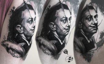 Áttérés festővászonról az emberi bőrre: Valer Sasu szatmári grafikus és tetoválóművész műhelytitkairól