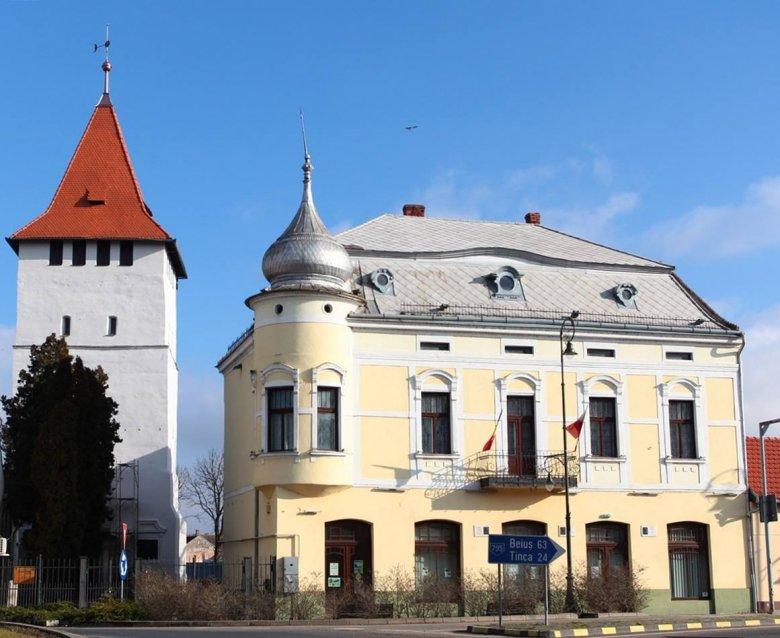 Emlékőrzésben a jövő: átadták a felújított Arany-palotát Nagyszalontán