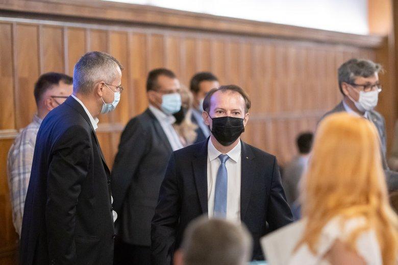 Florin Cîţu miniszterelnök becsületbeli lemondását készül kérni az esti koalíciós ülésen az USR–PLUS