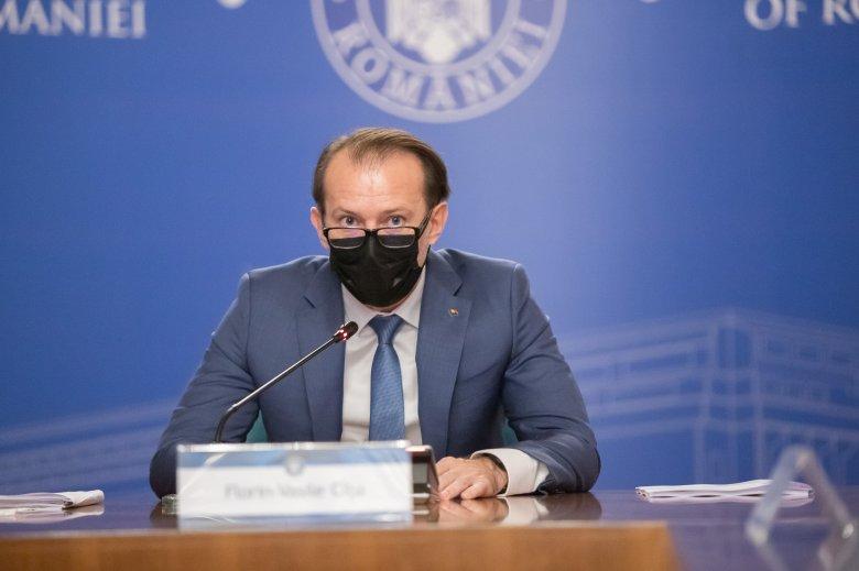 Kirúgta az USR-PLUS 80 államtitkárát, prefektusát és alprefektusát a kormányfő
